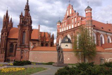 Litwa Wilno wycieczki integracyjne z Parys Travel